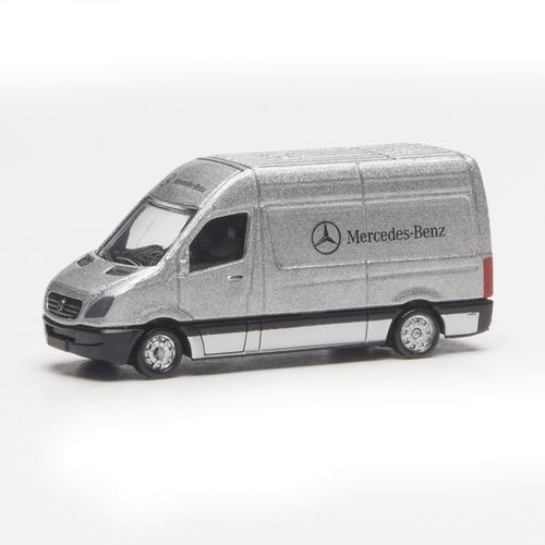 HO Die-Cast Mercedes-Benz Sprinter Van