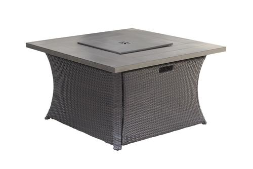 Backyard Creations Allenwood Square Lp Fire Patio Table At Menards