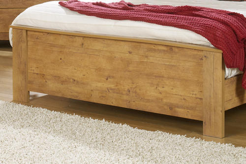 Dakota™ King Knotty Pine Bedroom Suite At Menards®