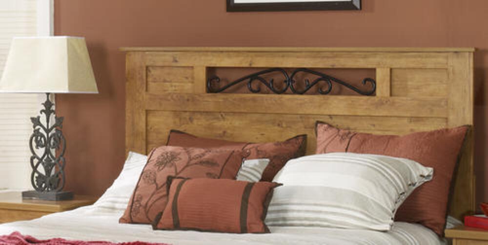 Dakota King Knotty Pine Bedroom Suite At Menards