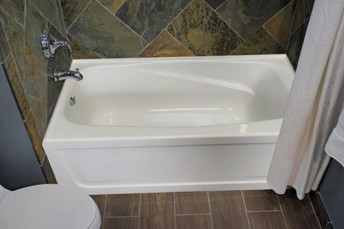 "Hydro Massage Mystique Gold Series 60"" x 32"" Biscuit Left Drain 18-Air Massagers Whirlpool Bathtub with Integral Apron"
