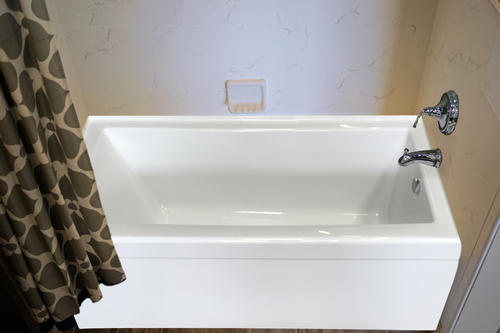 """Hydro Massage Zen Silver Series 60"""" x 30"""" White Right Drain 12-Air Massagers Whirlpool Bathtub with Integral Apron"""