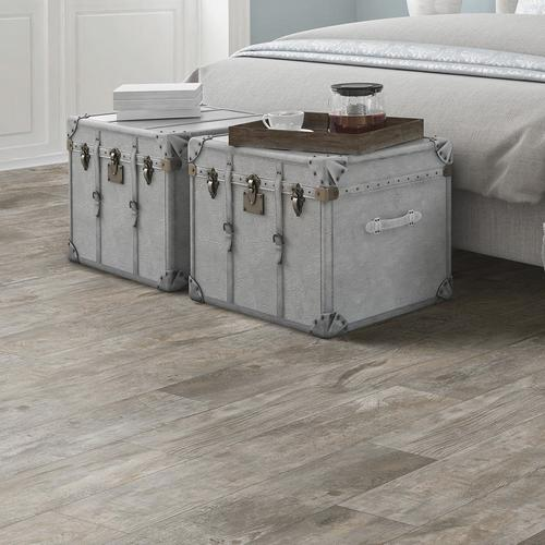 Mohawk Home Expressions Cool Gray 5 84 X 35 86 Floating Vinyl Plank 14 51