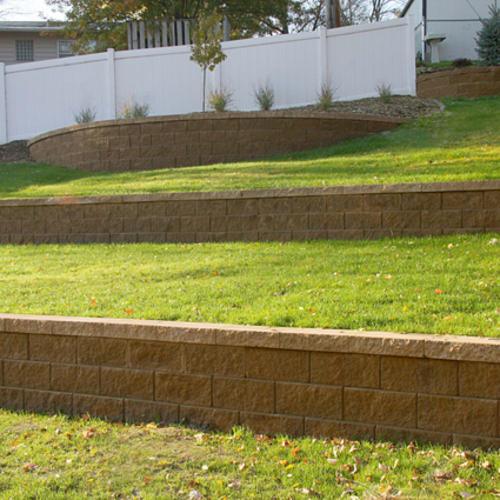 8 X 18 Clifton Wall Straight Retaining Block At Menards