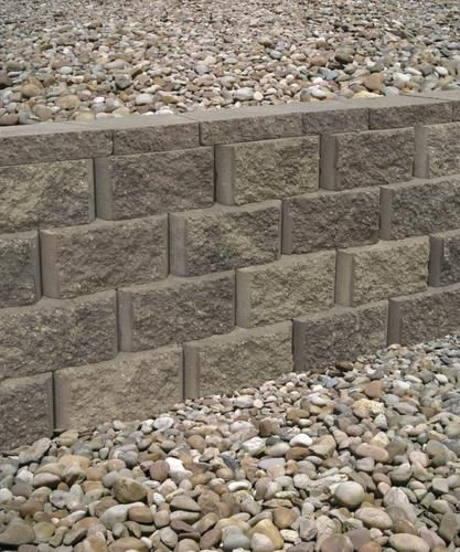 Build A Long Lasting Block Retaining Wall: 5-1/2 X 11-1/2 Lakewood Retaining Wall Block At Menards®